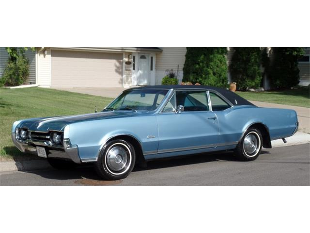 1967 Oldsmobile Cutlass Supreme | 885954