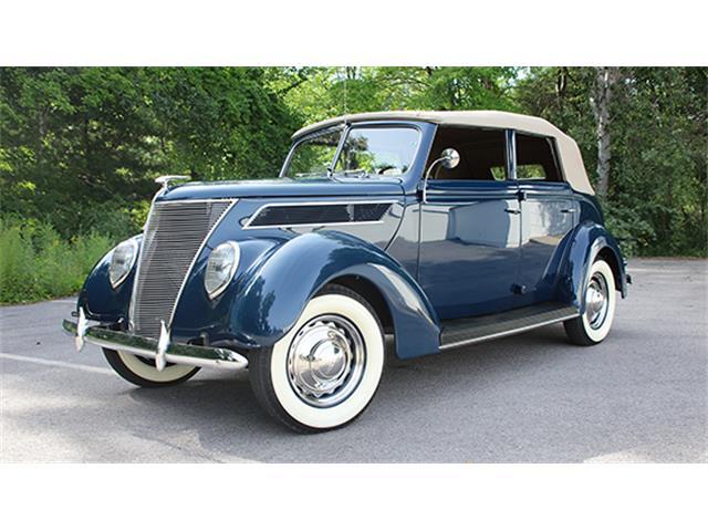 1937 Ford V-8 Deluxe Convertible Sedan | 886020