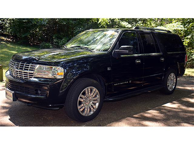 2013 Lincoln Navigator L Limousine | 886099