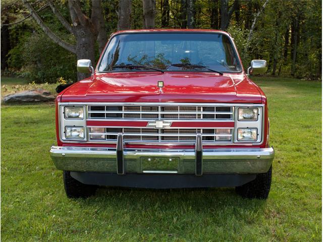 1987 Chevrolet K-10 | 886178