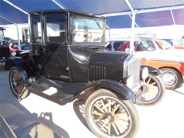 1925 Ford Automobile | 886249