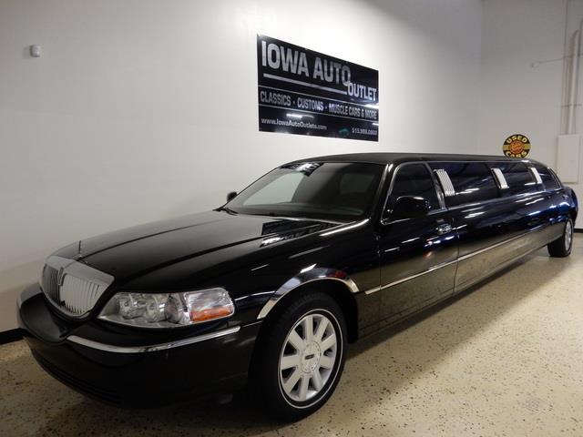 2003 Lincoln Limousine | 880631