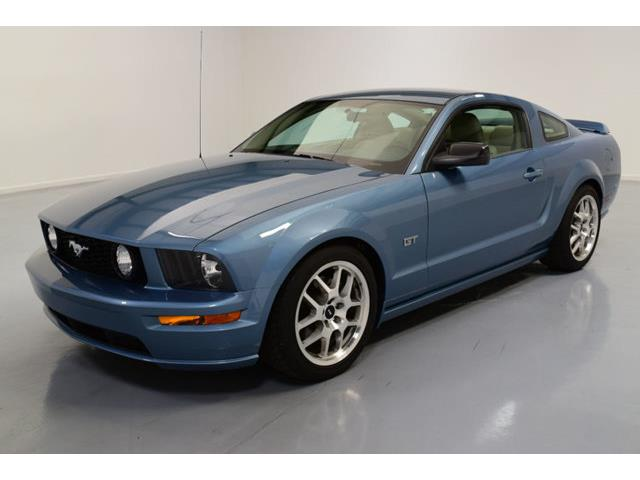 2005 Ford Mustang | 886367