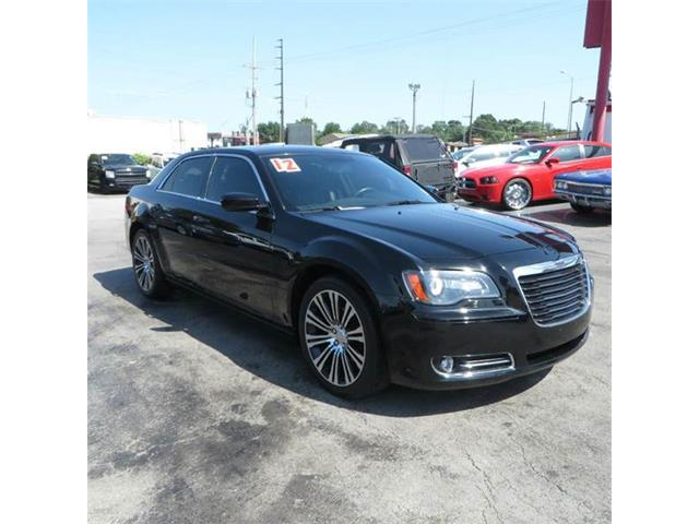 2012 Chrysler 300 | 886437
