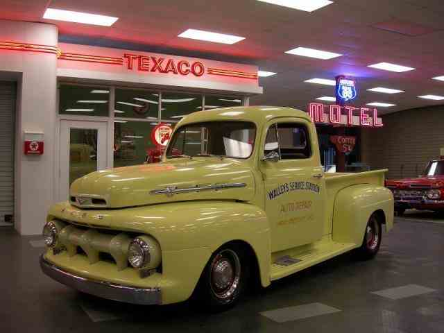 1952 Ford F1   886495