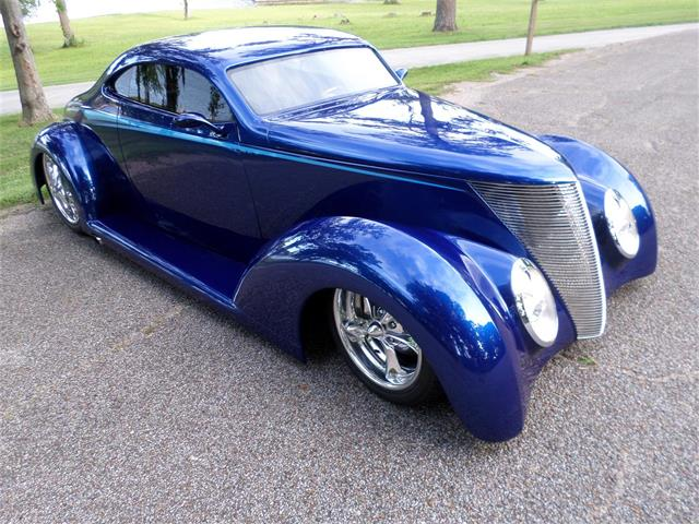 1937 Ford Low Coupe | 886577