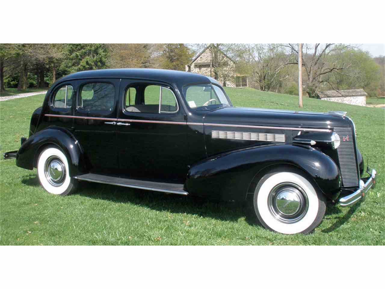Large Picture of Classic '37 Buick Roadmaster located in West Chester Pennsylvania - J04H