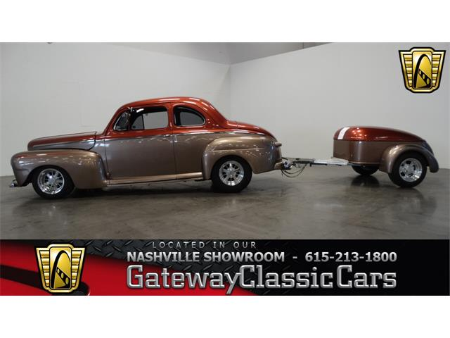 1947 Ford Coupe | 886632