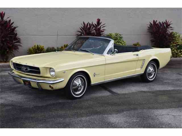 1965 Ford Mustang   886722