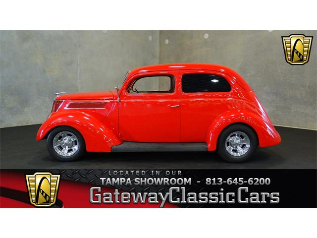 1937 Ford Slantback | 886738