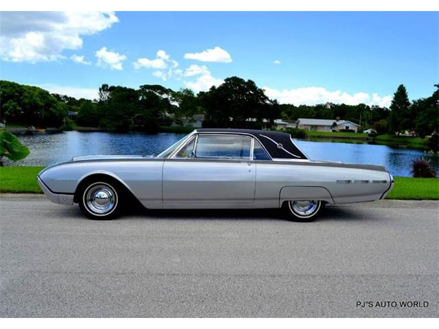 1962 Ford Thunderbird | 886759