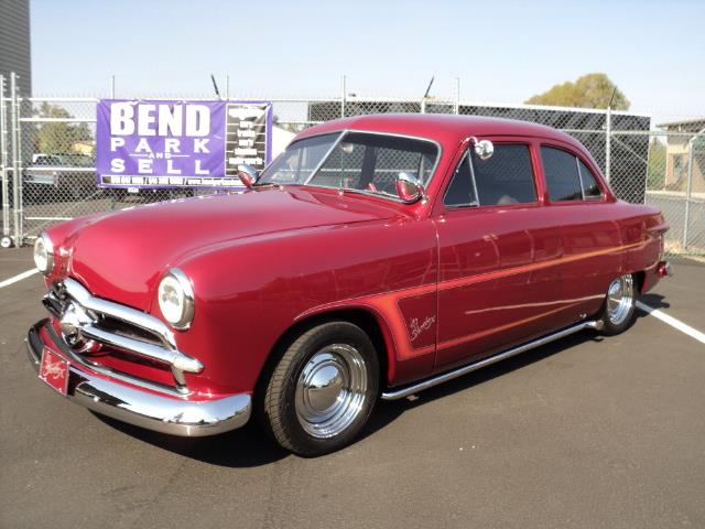 1949 Ford Tudor | 886802