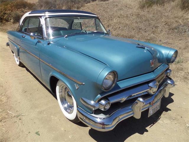 1954 Ford Crestline | 886844