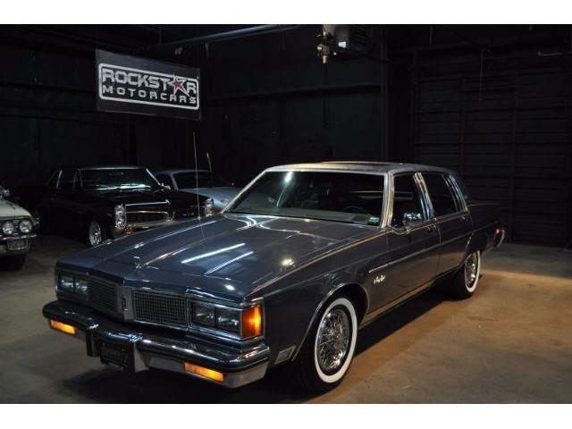 1983 Oldsmobile 98 | 886953