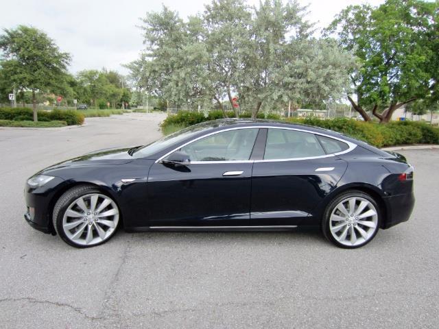 2013 Tesla Model S | 887127