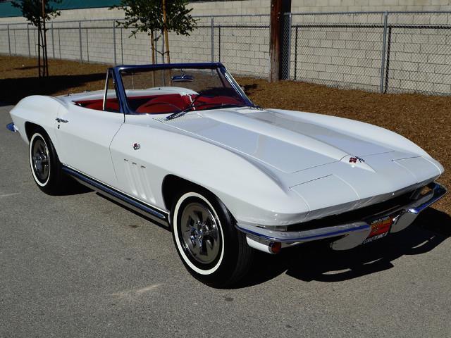 1965 Chevrolet Corvette | 887186