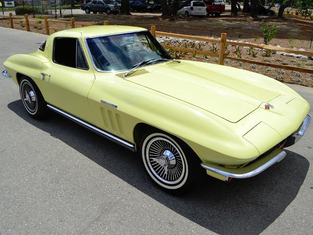 1965 Chevrolet Corvette | 887187