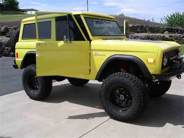 1977 Ford Bronco | 887230