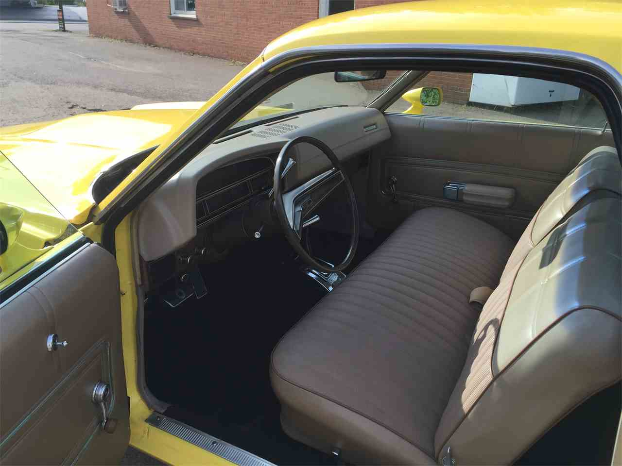 Classic Car Dealer Bradford