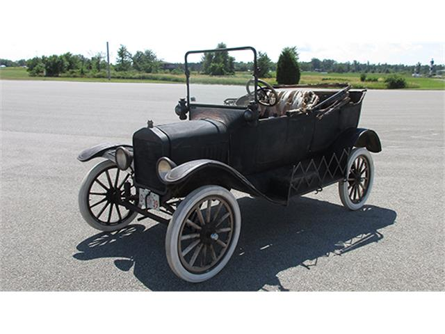 1917 Ford Model T Three-Door Touring | 887390