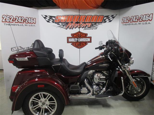 2015 Harley-Davidson® FLHTCUTG - Tri-Glide® Ultra | 887524