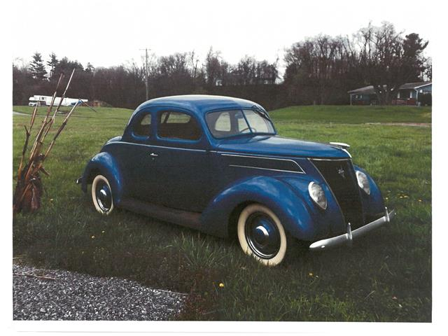 1937 Ford Coupe | 887553