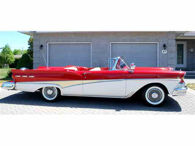 1958 Ford Fairlane 500 | 887569