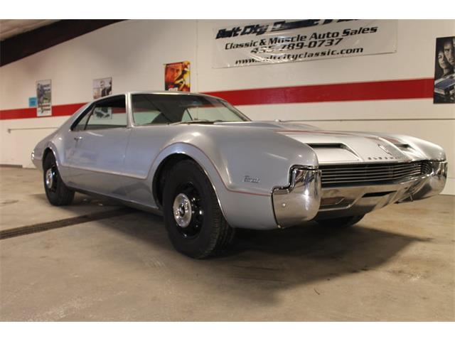 1966 Oldsmobile Toronado | 887604