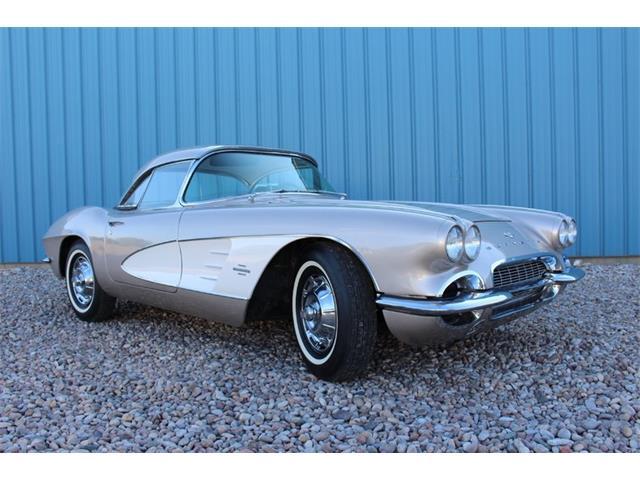 1961 Chevrolet Corvette | 887606