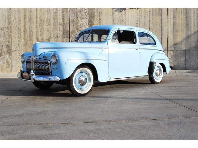 1942 Ford Super Deluxe | 887620
