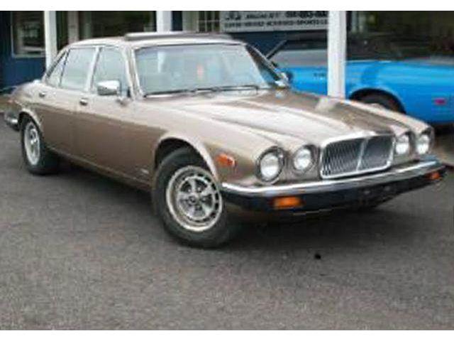 1985 Jaguar XJ6 | 887976