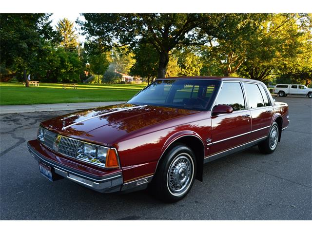 1985 Oldsmobile 98 Regency Brougham | 888017