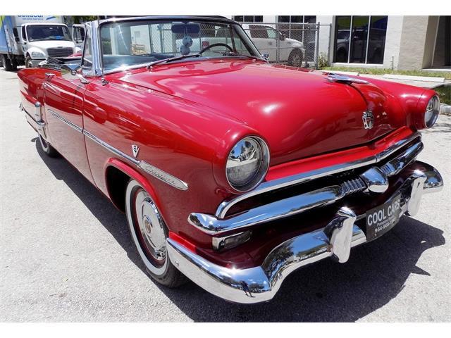 1953 Ford Sunliner | 888057