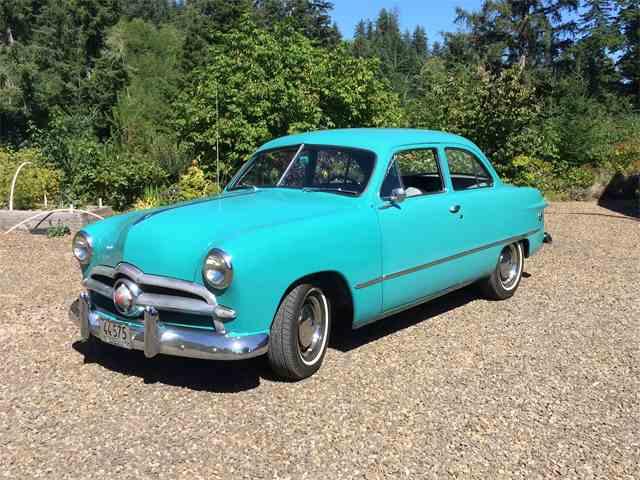 1949 Ford Tudor | 888129