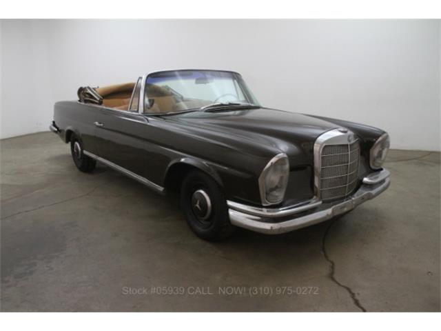 1963 Mercedes-Benz 220 | 888340