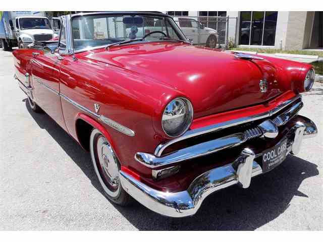 1953 Ford Sunliner | 888499