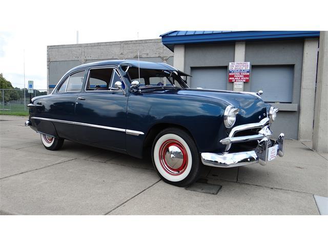 1949 Ford Custom Deluxe | 888773