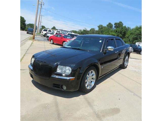 2005 Chrysler 300 | 888977