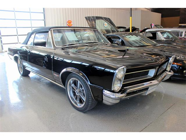 1965 Pontiac GTO | 889011
