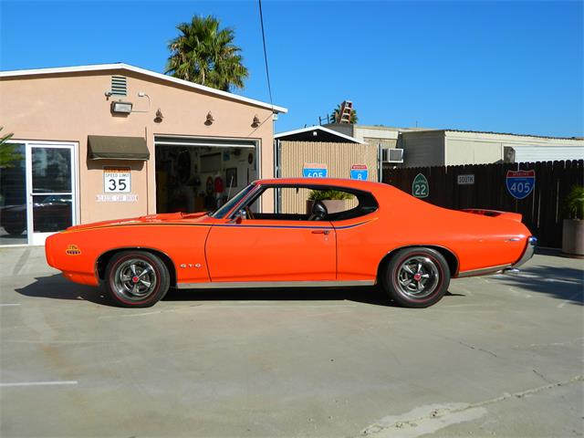 1969 Pontiac GTO (The Judge) | 889029