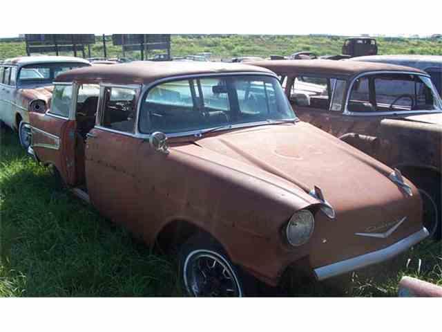1957 Chevrolet Station Wagon | 889110