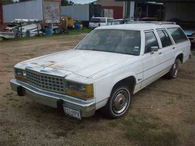 1985 Ford Crown Victoria | 889138