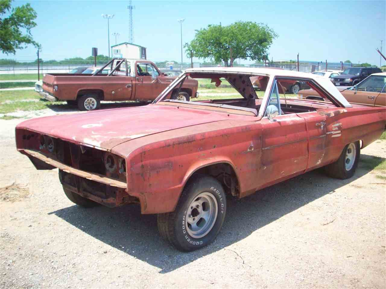Large Picture of '66 Coronet - J23D