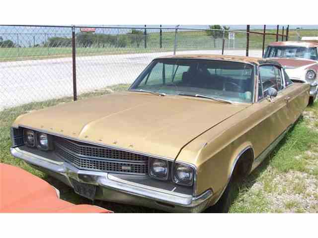 1968 Chrysler New Yorker | 889182