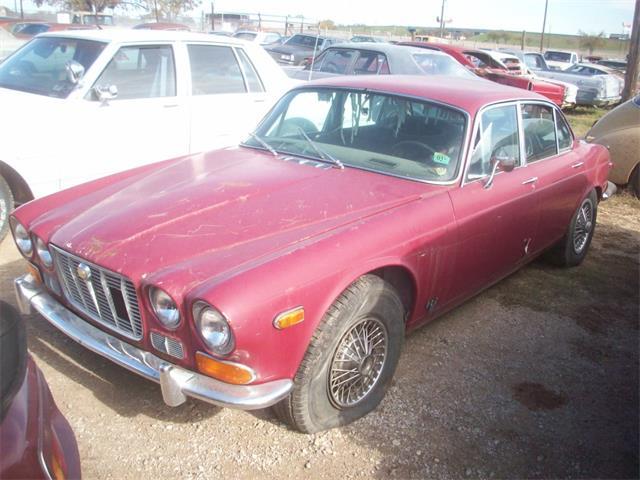 1971 Jaguar XJ6 | 889225