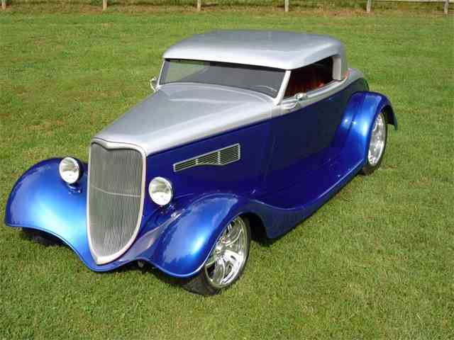 1933 Ford Roadster | 889276