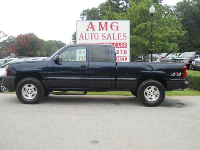 2005 Chevrolet Silverado | 889318