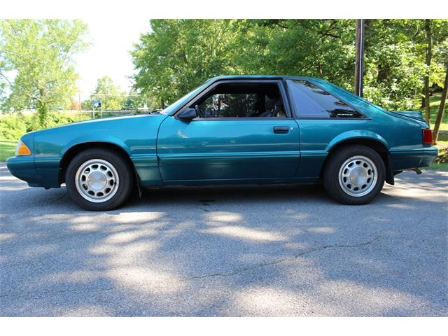 1993 Ford Mustang | 889336