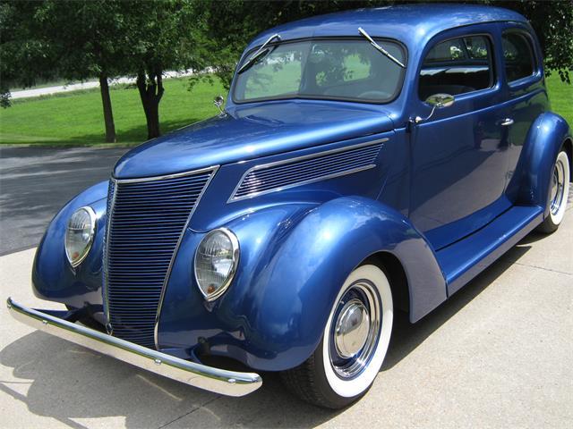 1937 Ford Humpback | 889457