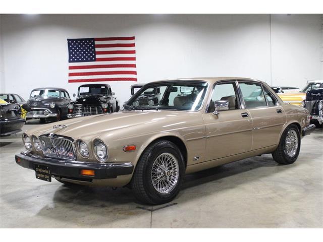 1985 Jaguar XJ6 | 889533